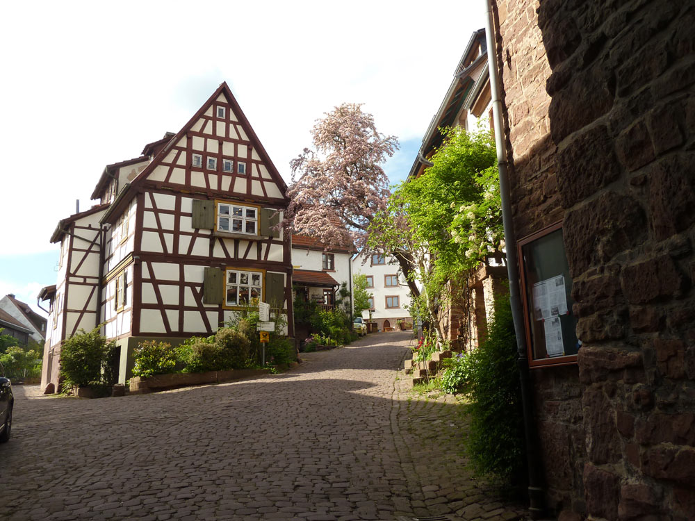 Aufgang zum Dorfkern Dilsberg
