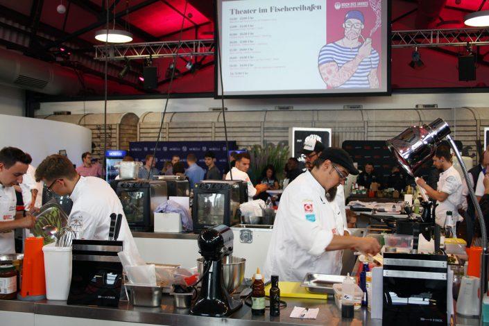 6 Kochteams am Start im Fischbahnhof Bremerhaven