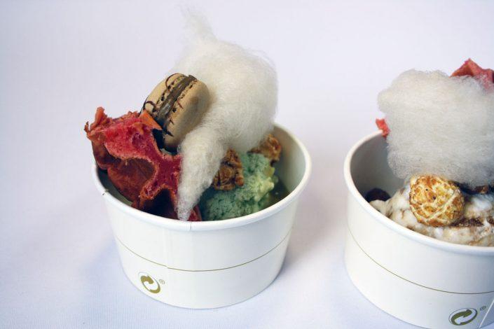 Langnese Eisdessert mit süßer Zuckerwatte, fertig aus der Packung