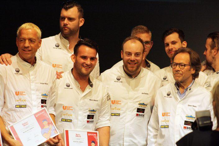 Teilnehmer mit dem Wettbewerbspräsidenten und Sternekoch Dieter Müller, rechts im Bild