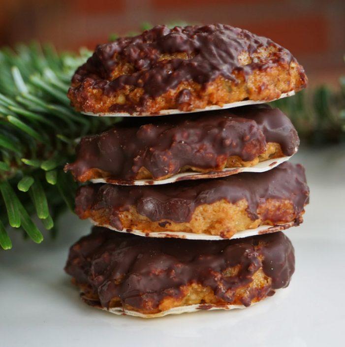 Turm mit Elisenlebkuchen, Kekse für die Weihnachtszeit