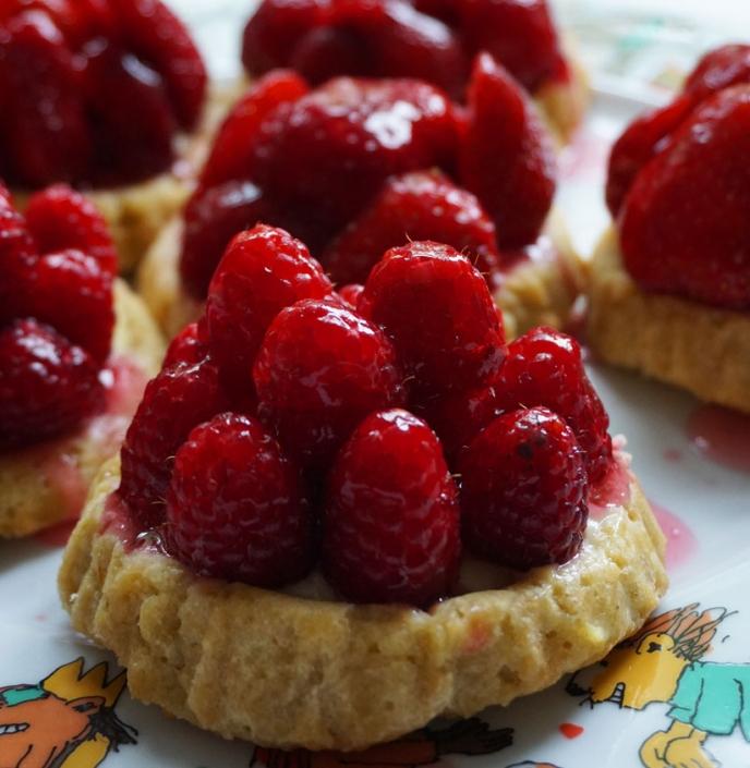Das schnelle Rezept: Himbeerkuchen mit Mürbteig und Pudding