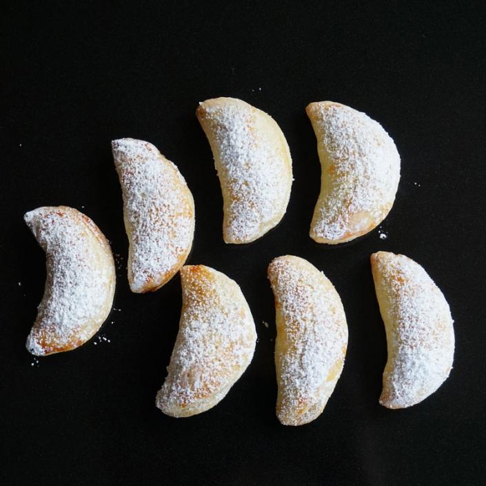 Vanillekipferl selbst backen ist ganz einfach, hier meine selbstgebackenen Plätzchen